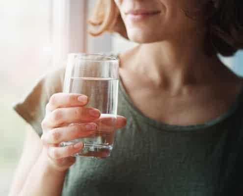 Cuántos vasos de agua debes tomar al día